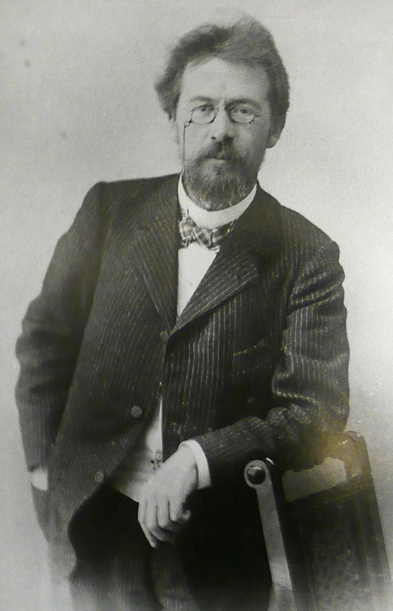Summary. Chameleon - the story of A. Chekhov