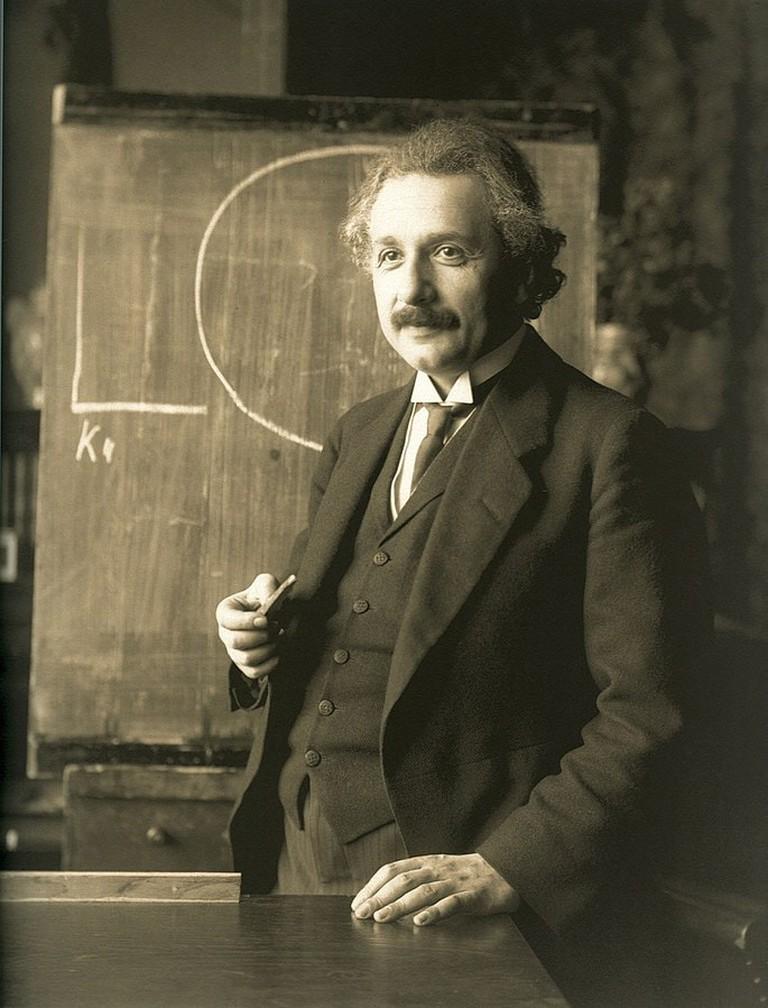 685px-Einstein_1921_by_F_Schmutzer_-_restoration