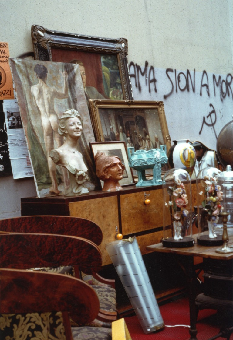 A stall at Balon Flea Market, Turin | © Paola Sucato/Flickr