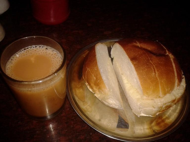 Bun Maska Pav with Tea at Vohuman Cafe, Pune