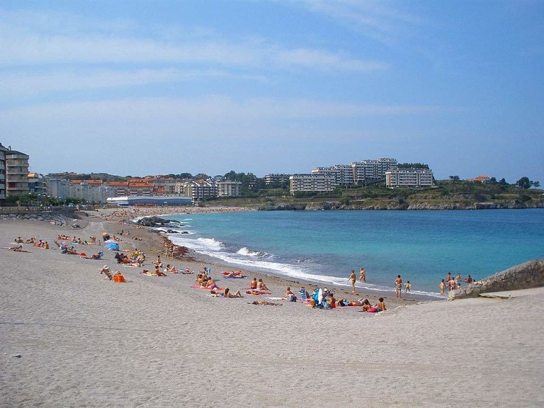 Playa de Ostende, Castro Urdiales, Spain | ©Zarateman / Wikimedia Commons