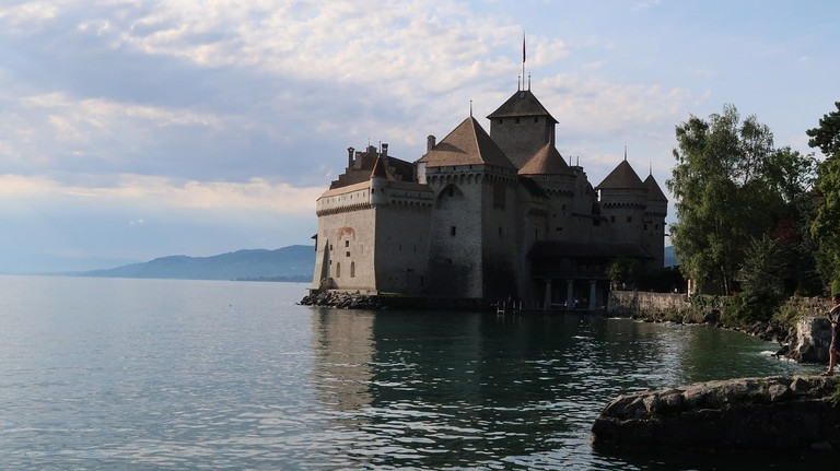 chateau-de-chillon-2646612_1280