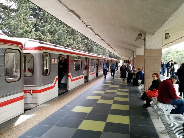 Didube_Metro_Station,_Tbilisi