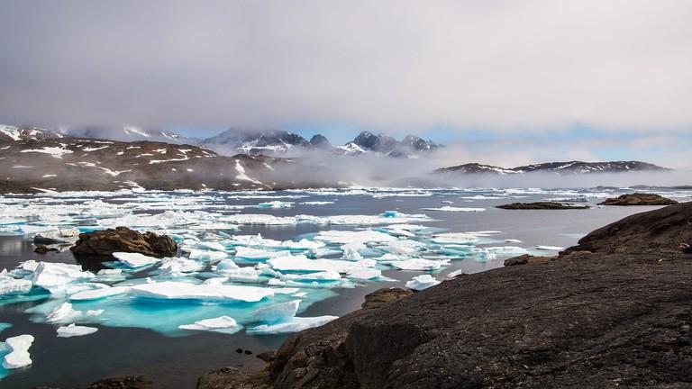 "Drift ice and mountains in Greenland | <a href=""https://pixabay.com/en/users/Taken-336382/"" target=""_blank"" rel=""noopener"">© Taken/Pixabay</a>"