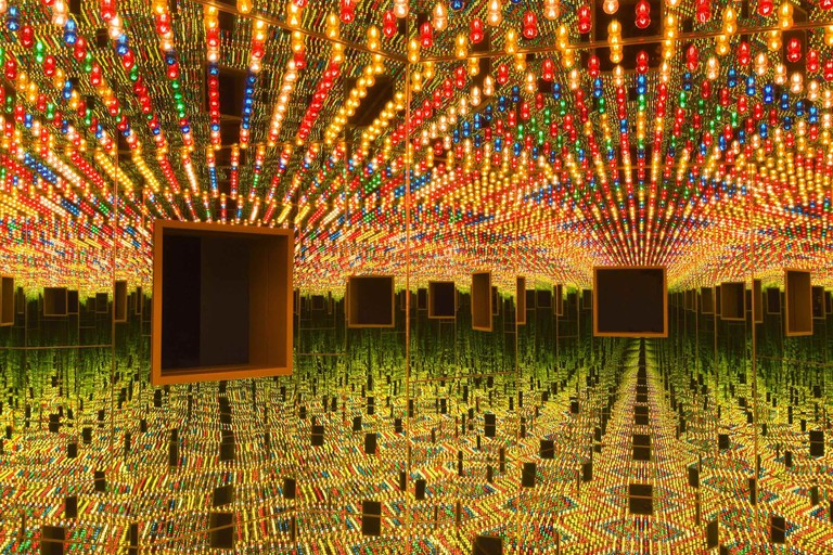 Yayoi Kusama. Infinity Mirrored Room – Love Forever, 1966/1994, at the Hirshhorn Museum and Sculpture Garden | © Yayoi Kusama/Photo by Cathy Carver