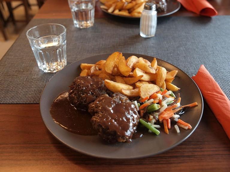 Ground_reindeer_steak_at_Sajos
