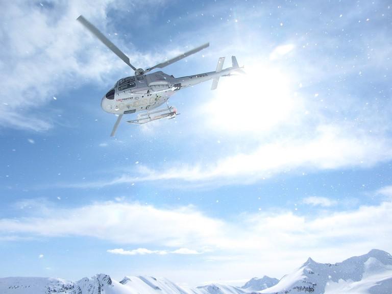 heliskiing-heli-skiing-1974015_1280