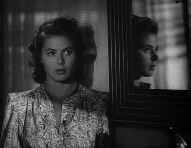 https://commons.wikimedia.org/wiki/Category:Casablanca_(trailer_screenshots)#/media/File:Ingrid_Bergman_in_Casablanca_trailer(2).jpg