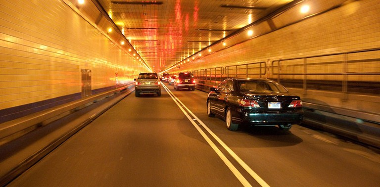 Inside_Lincoln_Tunnel
