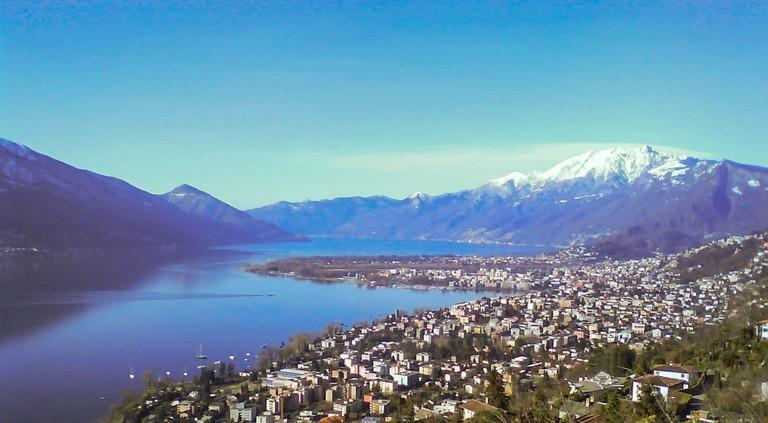 Locarno,_Ascona_&_Lago_Maggiore_von_Brione_sopra_M
