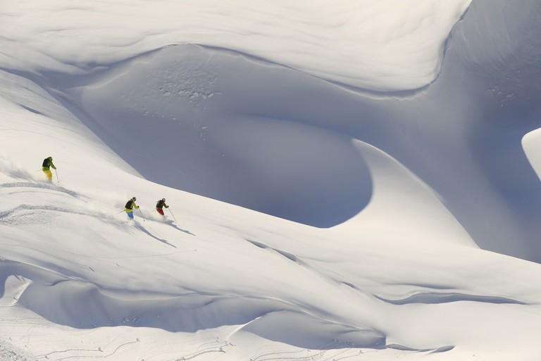 lowres_00000030642-alpine-skiing-deep-snow-oesterreich-werbung-Josef Mallaun