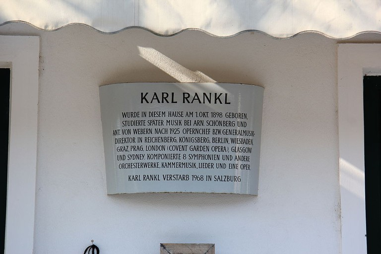 A plaque on the birthhouse of Karl Rankl in Gaaden, Austria | © Karl Gruber/WikiCommons