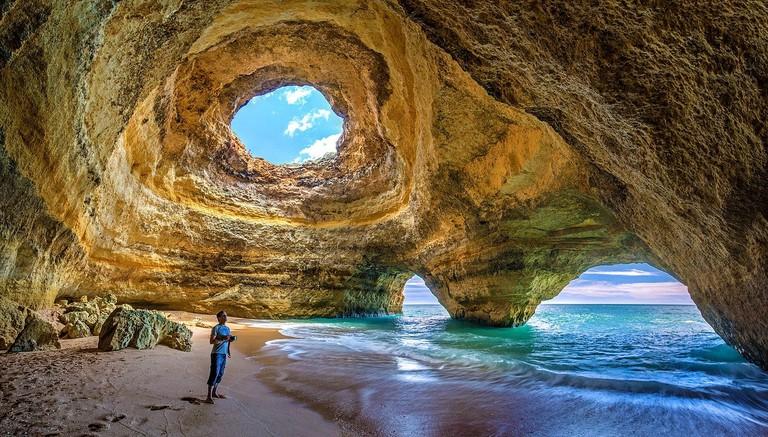 https://pixabay.com/en/portugal-algarve-benagil-caves-3029665/