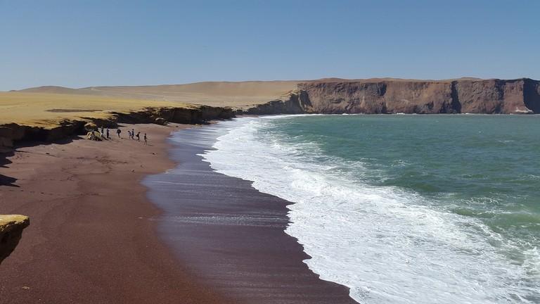 red-beach-1535481_1280