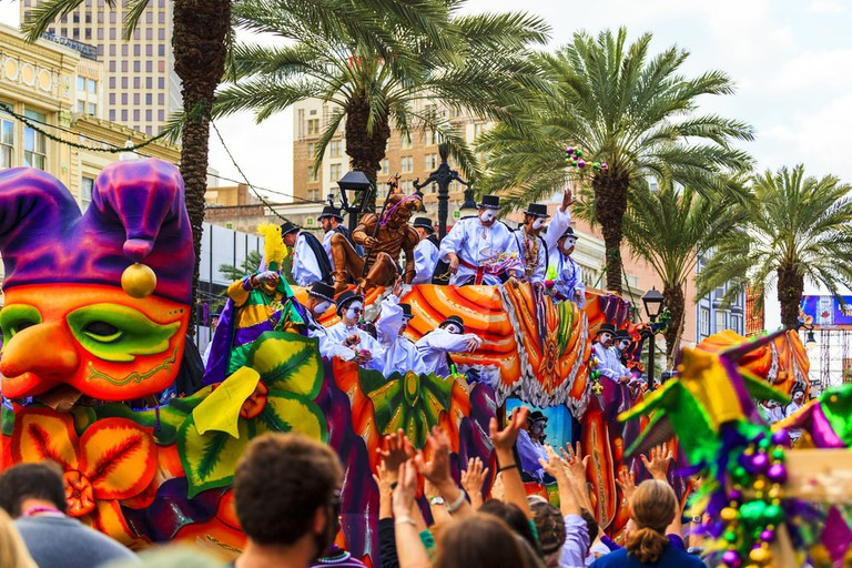 Mardi Gras parades through the streets of New Orleans | © GTS Productions/Shutterstock