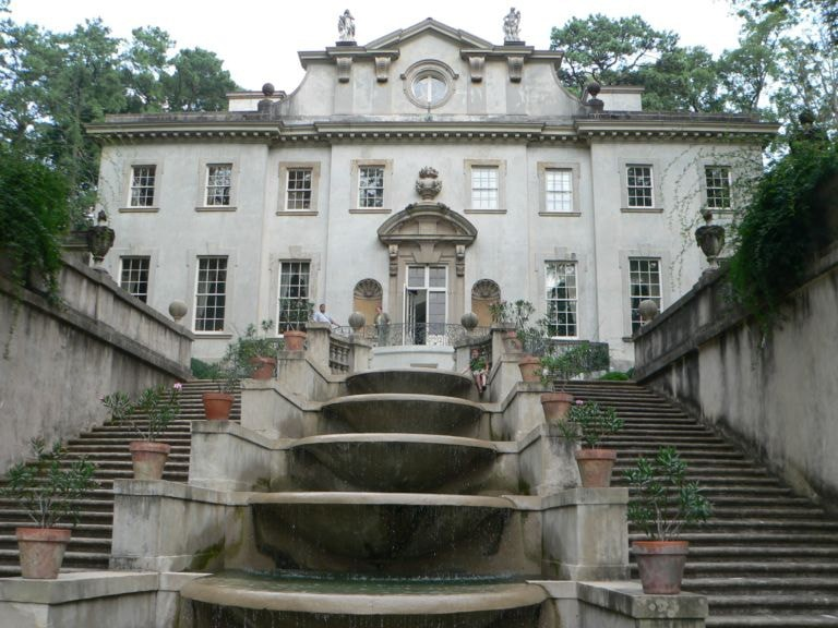 Swan House seen in Hunger Games-Catching Fire