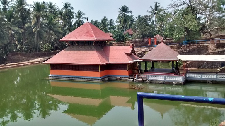 1.ananthapuram_lake_temple_