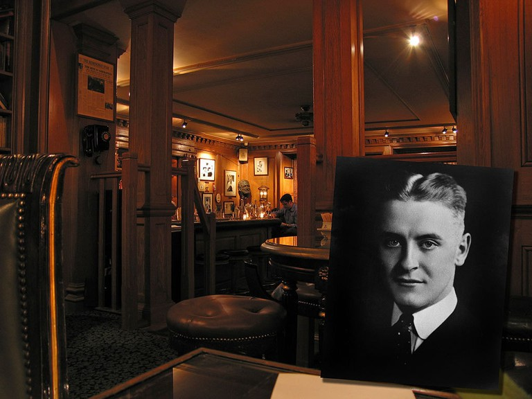 1024px-Bar_Hemingway_Ritz2