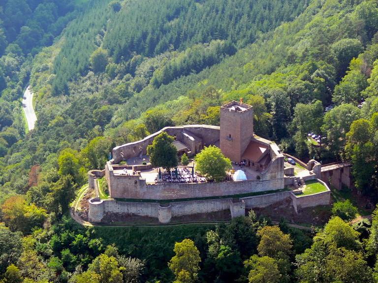 1024px-Burg_Landeck