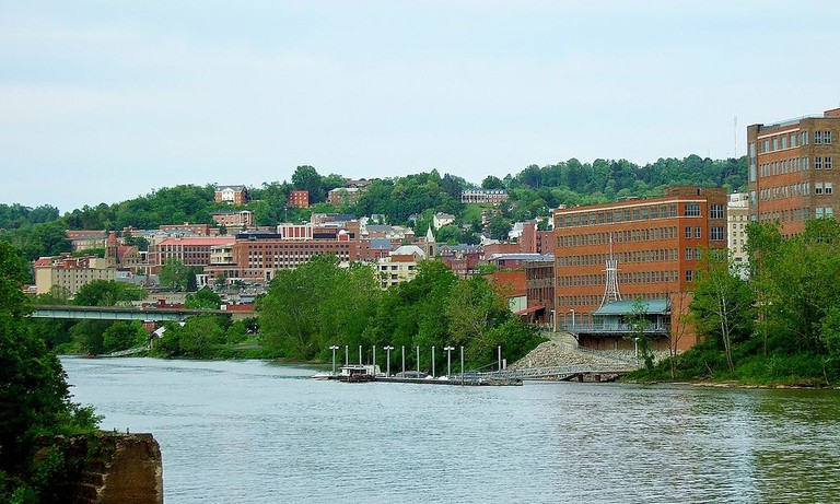 1024px-City_of_Morgantown_from_the_west_side_of_the_Monongahela_River,_May_2012