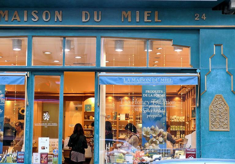 1024px-Paris_9_-_Maison_du_Miel_-052
