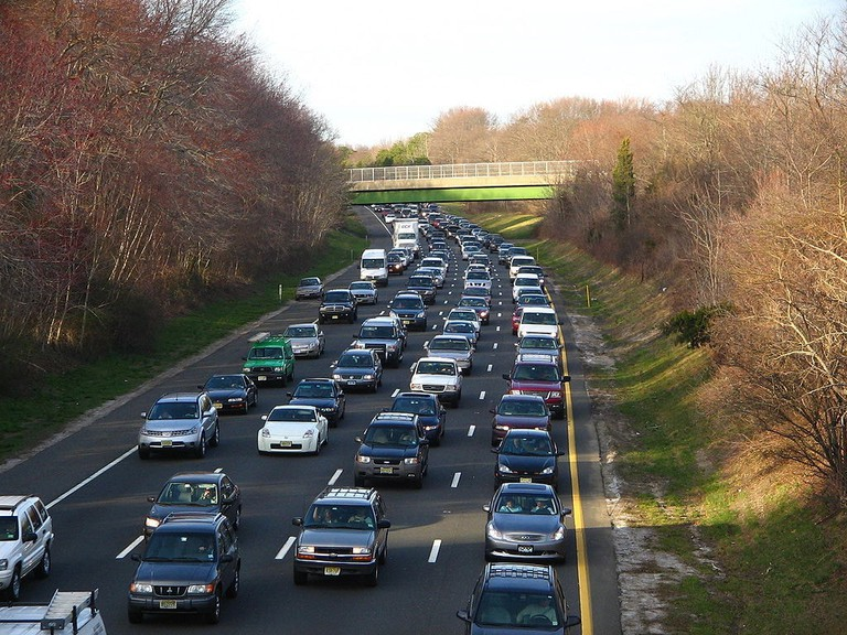 1024px-Parkway_Congestion_02