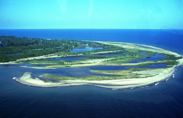 Gull Point @ Presque Isle State Park   © Robert K. Grubbs / Wikimedia Commons