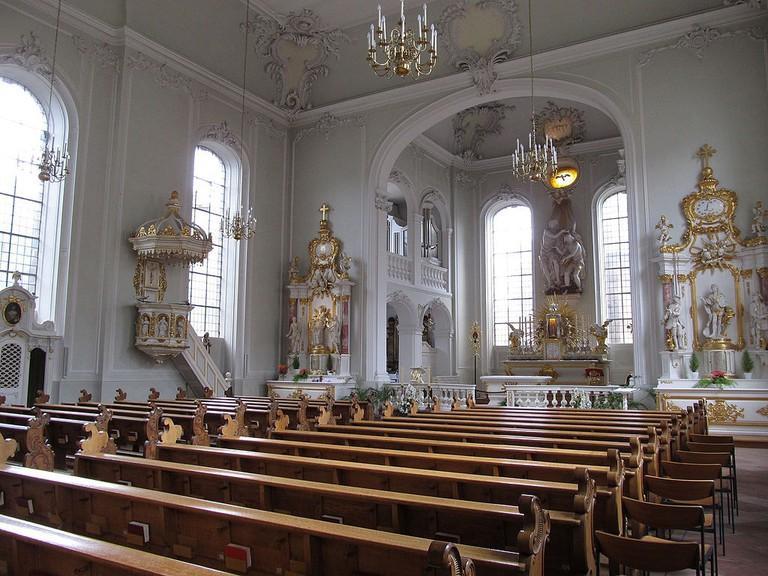 1024px-Saarbrücken_Basilika_St._Johann_Innen_04