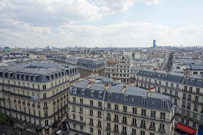 1024px-Terrasse_panoramique_@_Le_Printemps_Haussmann_@_Paris_(34304224466)