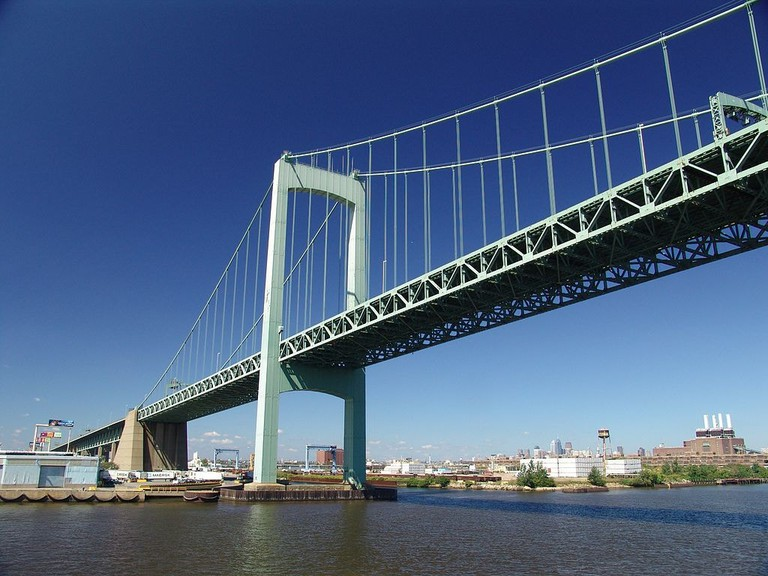 1024px-Walt_Whitman_Bridge-2