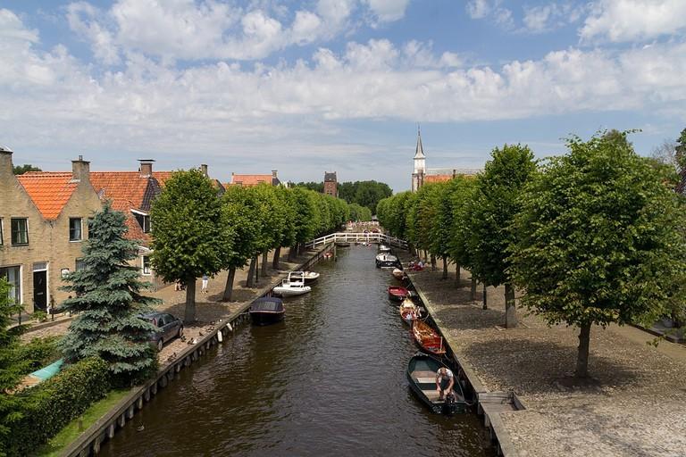 1200px-8556_Sloten,_Netherlands_-_panoramio_(21)