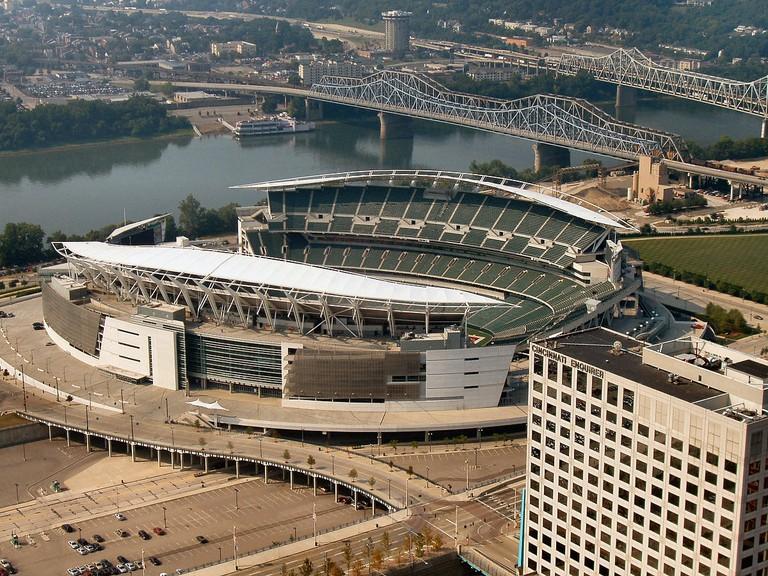 1200px-Cincinnati-paul-brown-stadium2