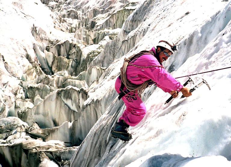 1200px-Hayat_Durrani_in_Raka_Poshi_Expedition_2003