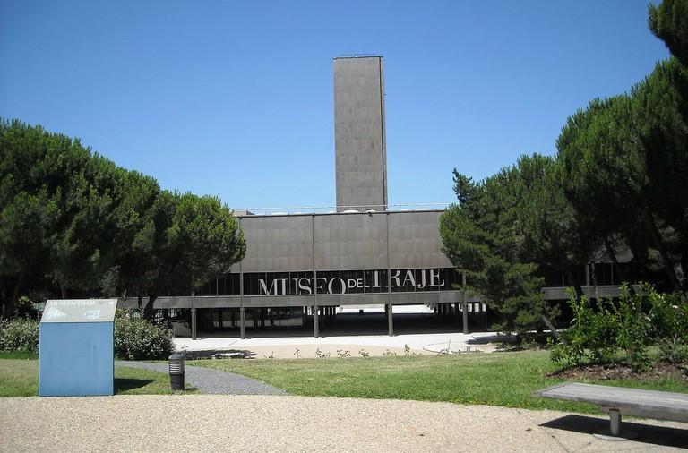 1200px-Museo_del_Traje