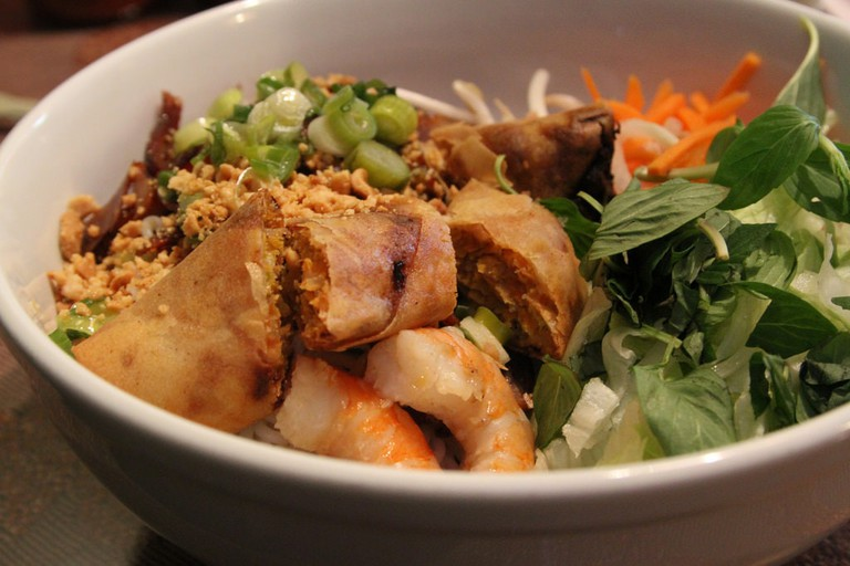 Bun cha gio with shrimp | © @Joefoodie/Flickr