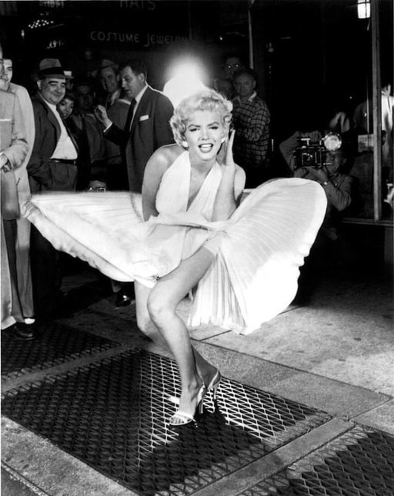 512px-Marilyn_Monroe_Lexington_Subway_Image_(14551832204)