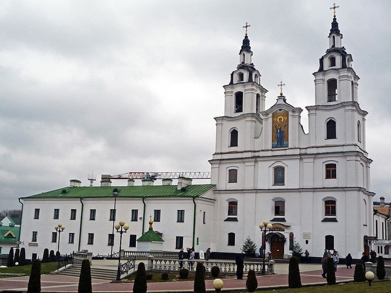 800px-Holy_Spirit_Cathedral_(Minsk)
