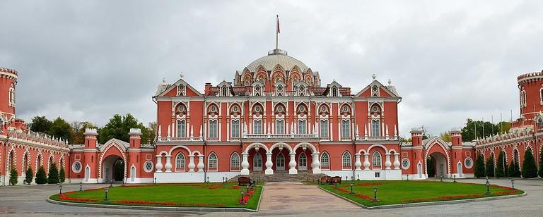 Петровский_путевой_дворец_