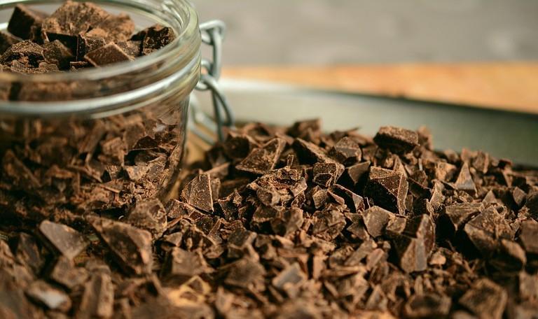 https://pixabay.com/en/chocolate-shaving-chopped-chocolate-2224998/