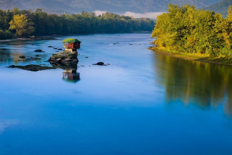 The gorgeous House on the Drina | © Alberto Loyo/shutterstock