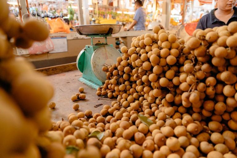 Longan fruit stall | Irene Navarro / © Culture Trip