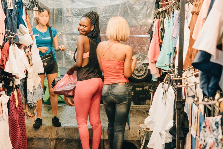 You'll see some foreigners enjoying the night market as well | Irene Navarro / ©Culture Trip