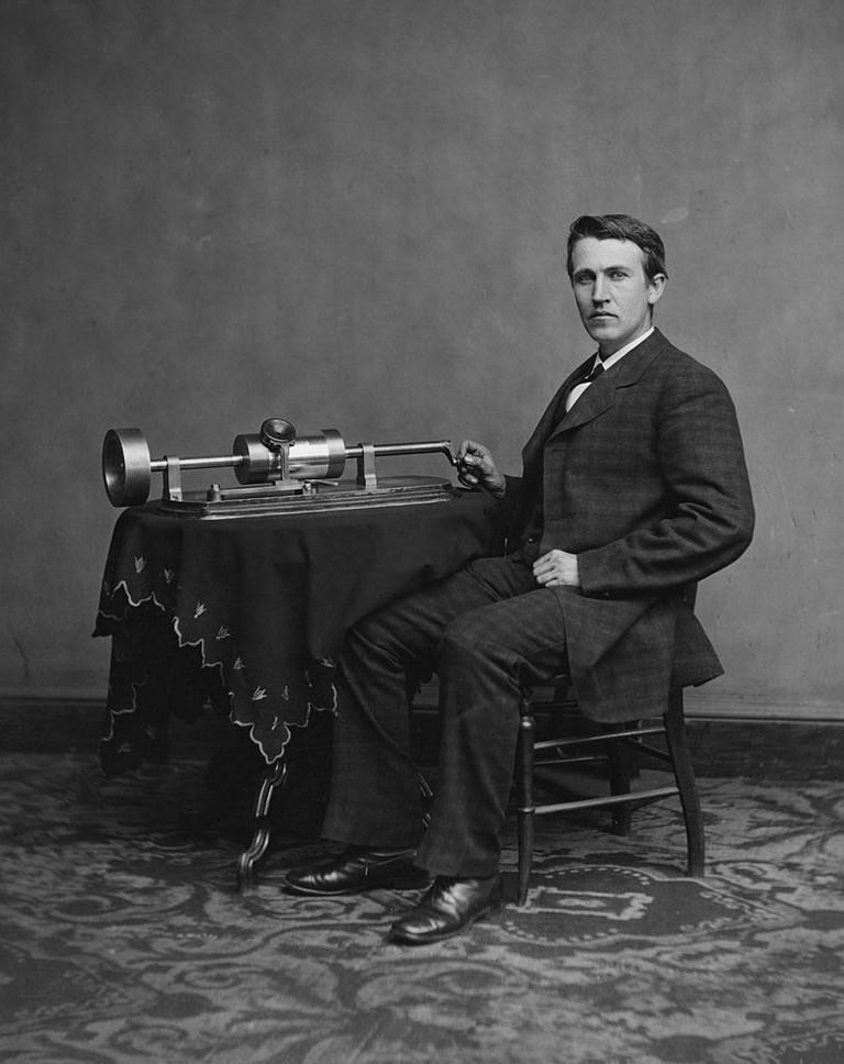 Edison_and_phonograph_edit1