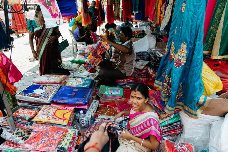 Take the chance to visit the clothes market and maybe bring home a Saree | Irene Navarro / © Culture Trip