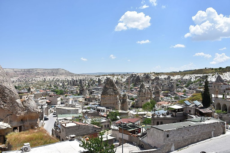 Göreme_town_and_valley_2015