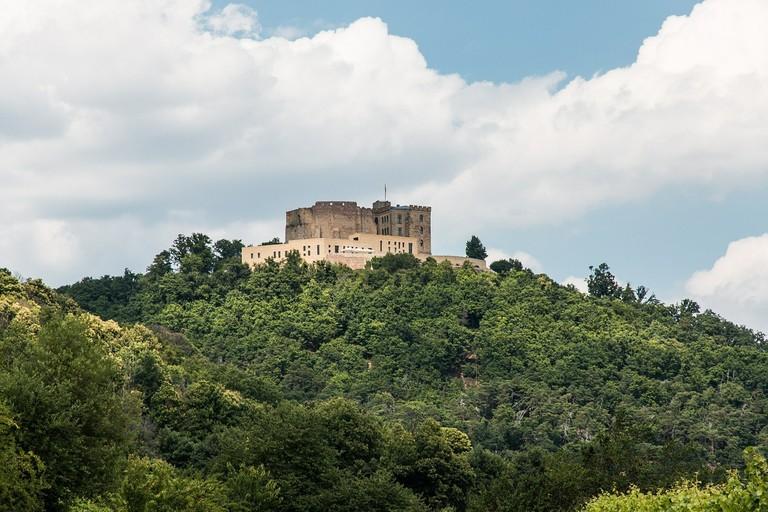 hambach-castle-467510_1280
