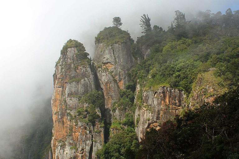 Pillar_Rocks_in_Kodaikanal