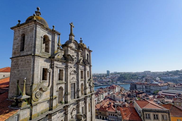 https://pixabay.com/en/porto-portugal-city-old-town-2379566/