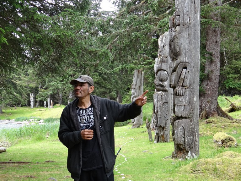 Watchman Ken explaining the totems at SGang Gwaay | © Andrew Eames