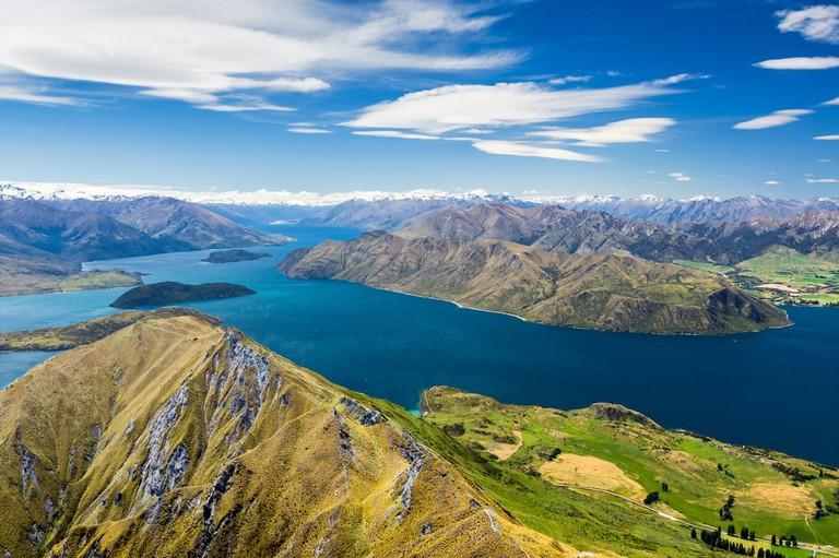Lake Wanaka and Mt Aspiring, New Zealand   © Olga Danylenko/Shutterstock